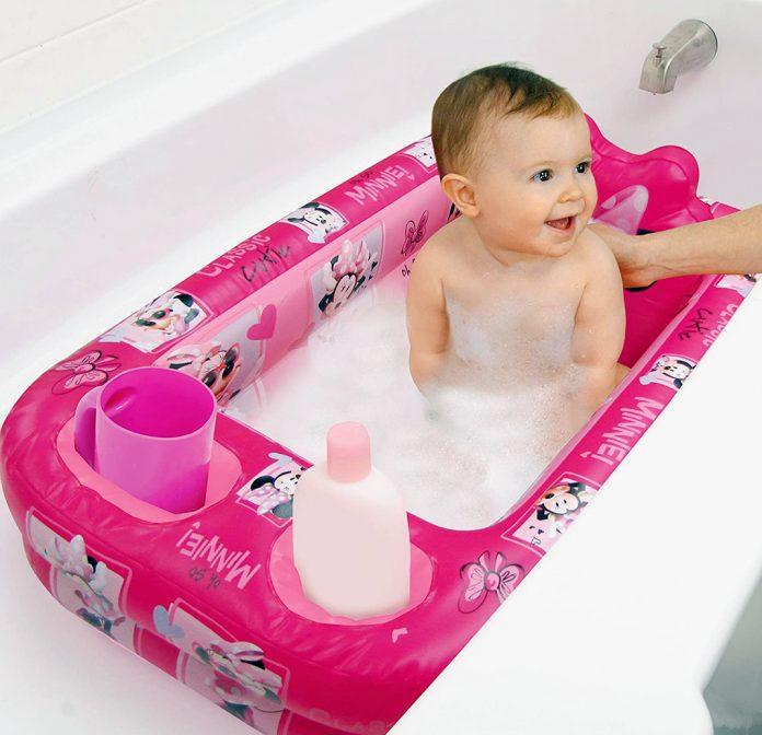 How to Use a Baby Bath Tub
